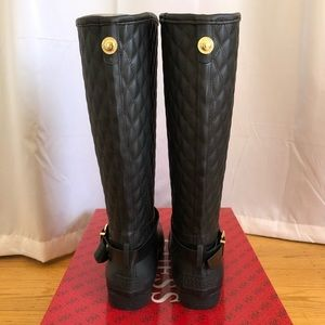Guess Shoes - NEW Guess rain boots